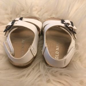Old Navy Shoes - Old Navy Baby Girl Footbed Sandals 0-3